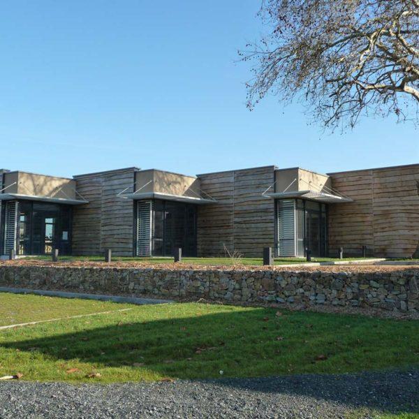 Ecobat construction restaurant scolaire à la Pommeraie-sur-Sèvre en Vendée 85