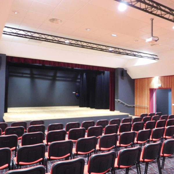 Ecobat conception réalisation salle polyvalente Vendée 85